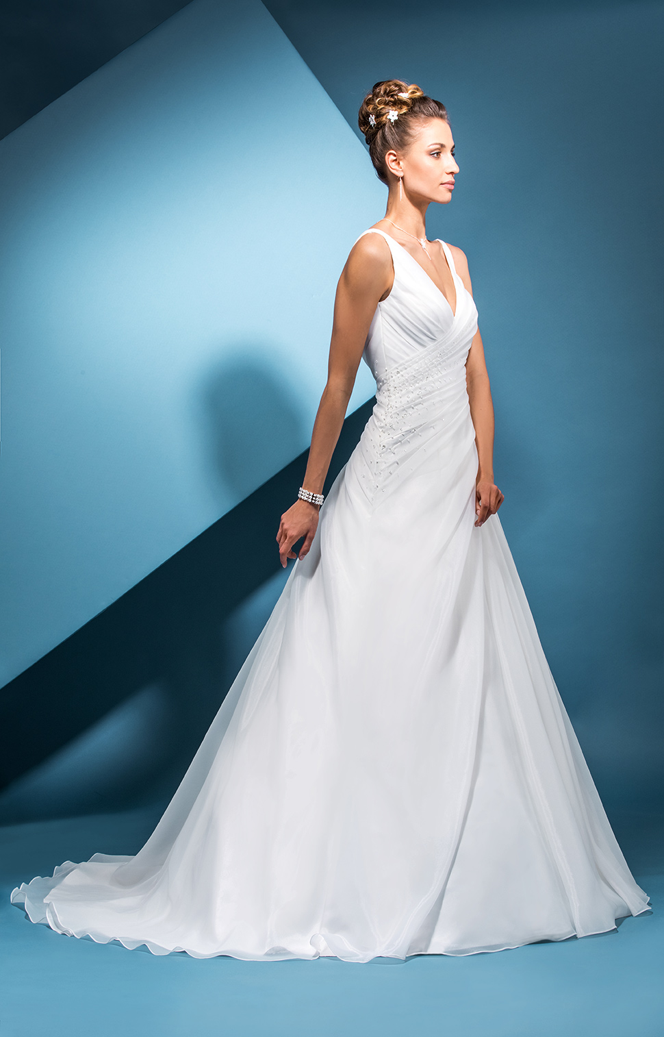 Wedding Dresses Bucks, Berks - Sapphire Dresses : Sapphire Dresses